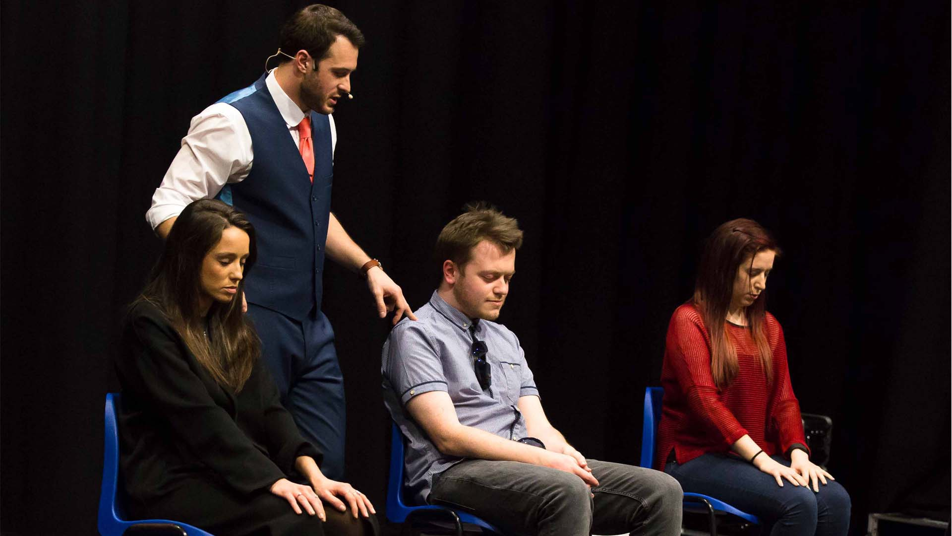 Edinburgh fringe particpants hypnotised on stage in mind games