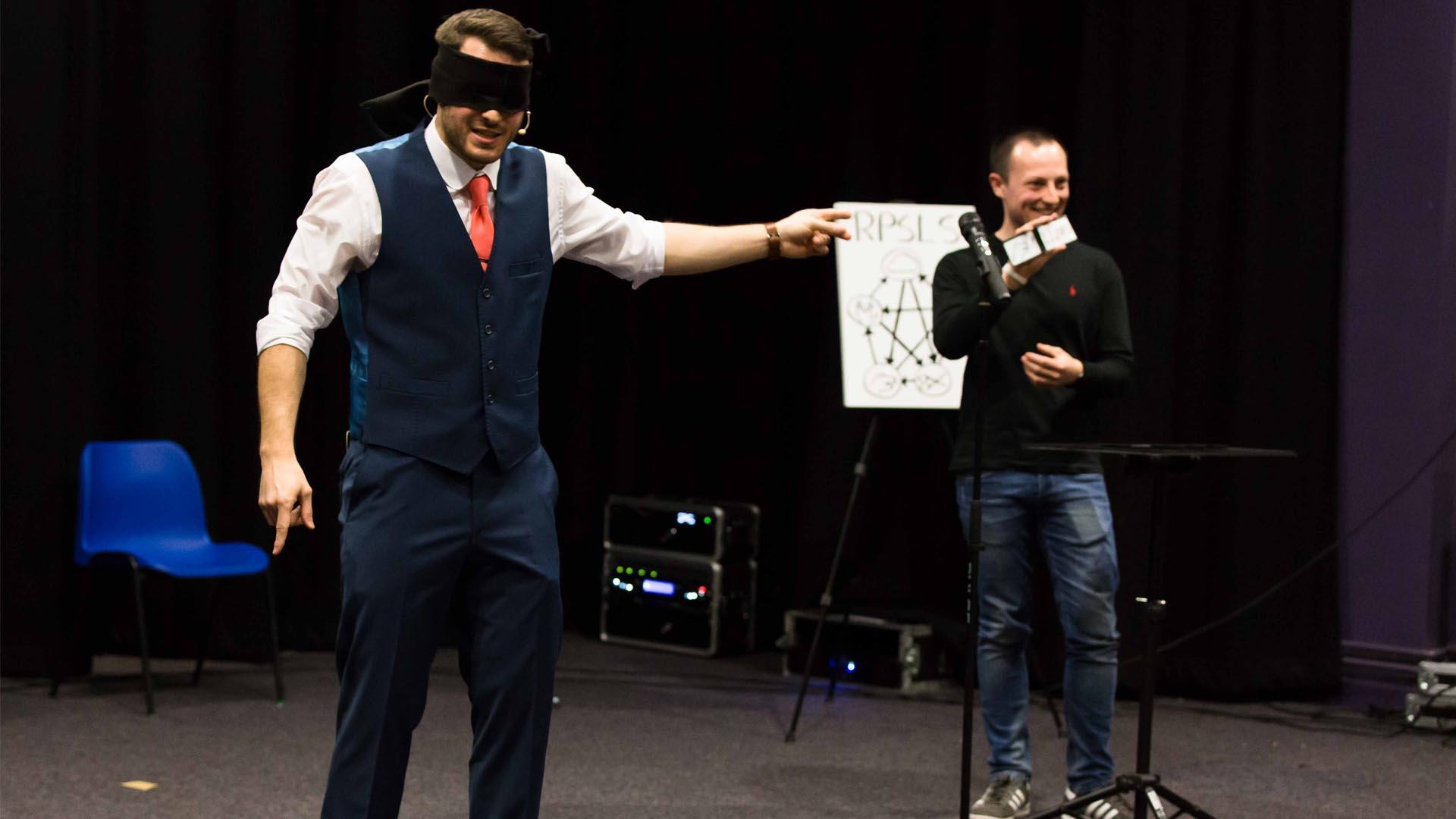 magic happens whilst blindfolded at the edinburgh fringe mind games